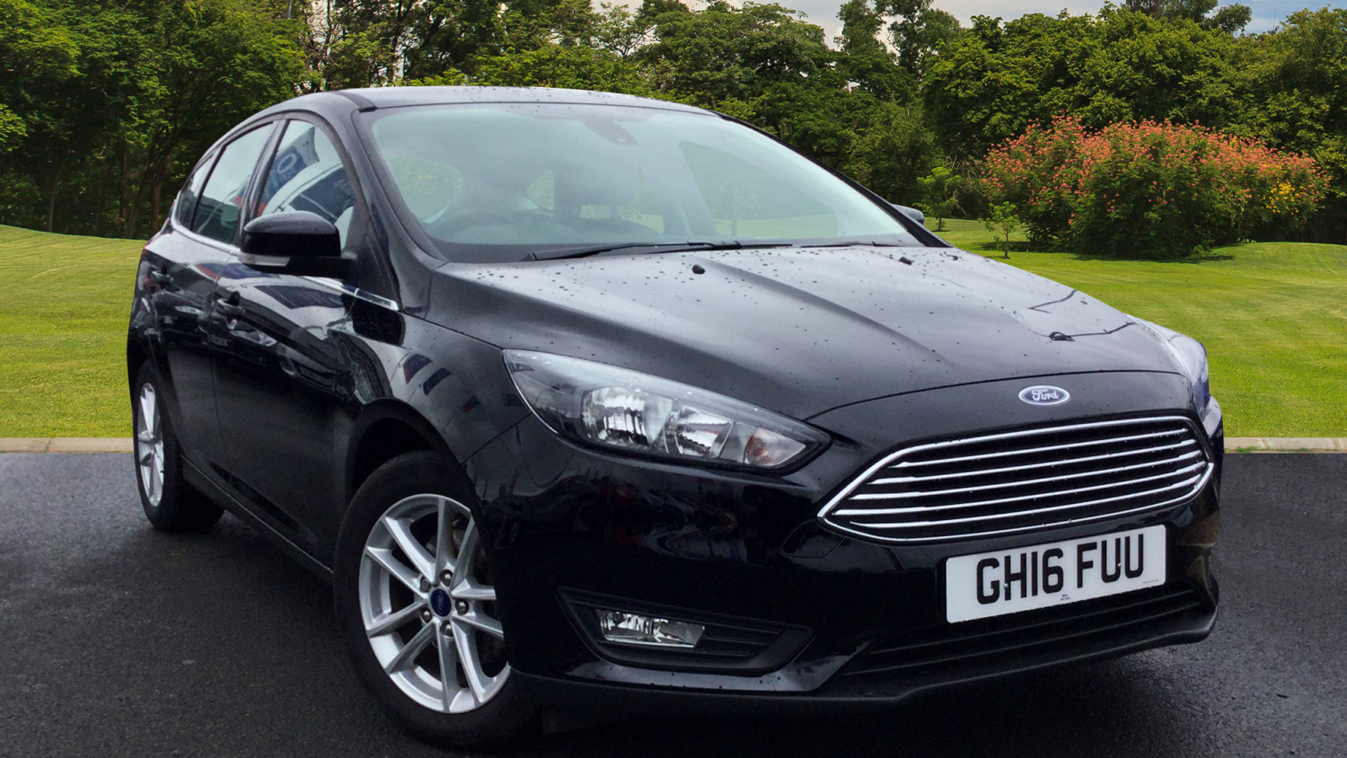 used ford focus 1 0 ecoboost zetec 5dr petrol hatchback. Black Bedroom Furniture Sets. Home Design Ideas