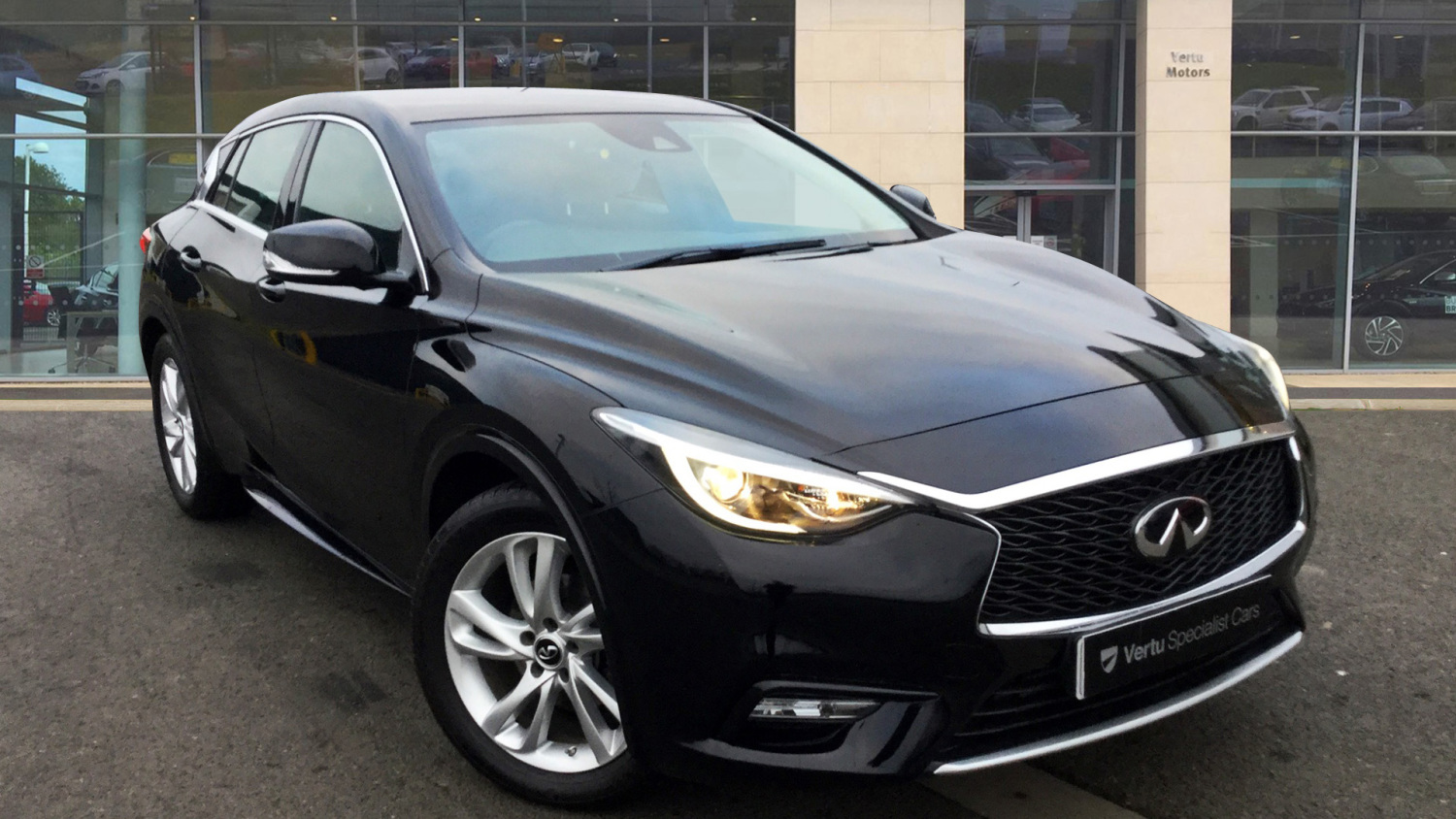 used infiniti q30 business executive 5dr diesel. Black Bedroom Furniture Sets. Home Design Ideas