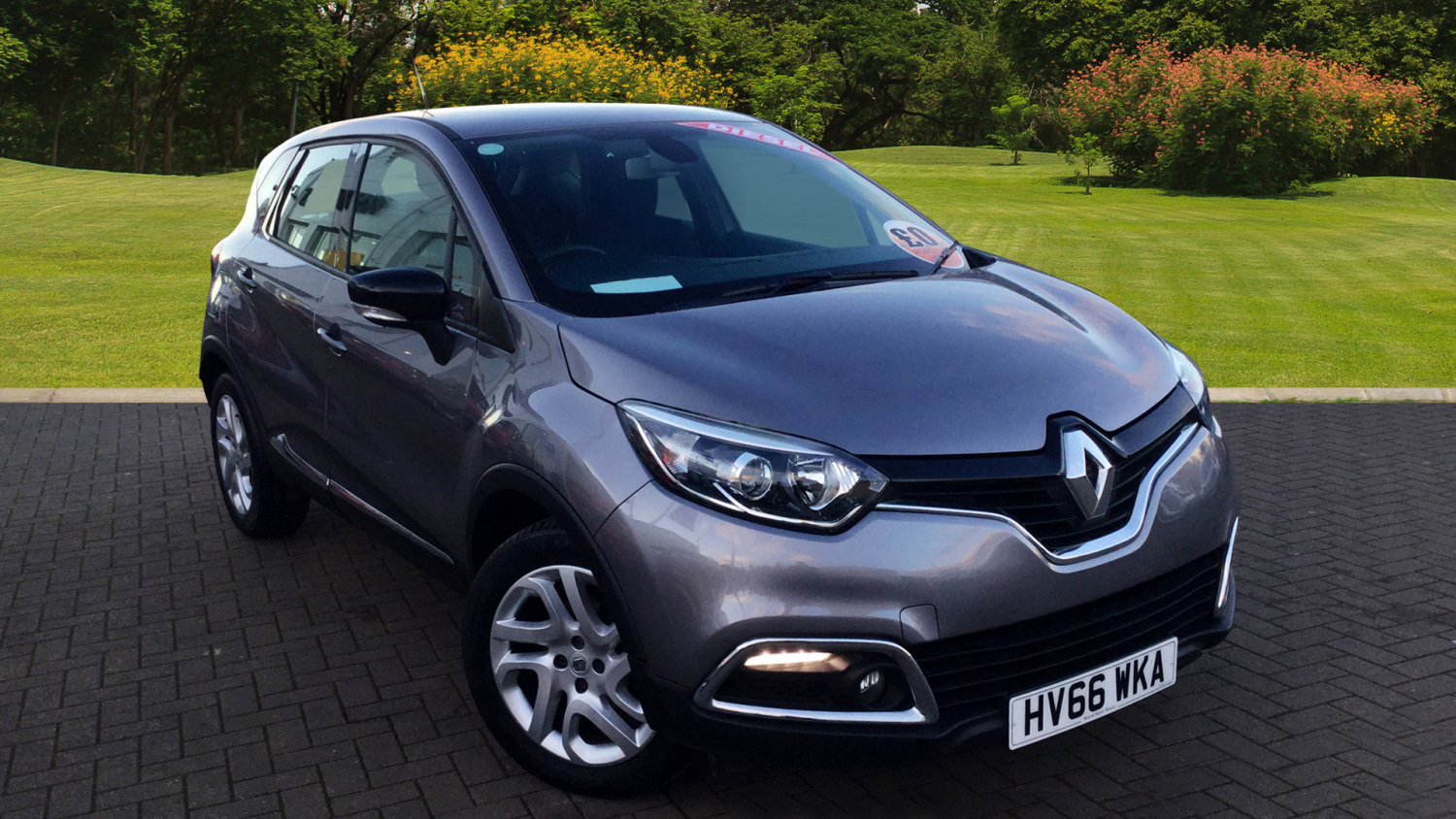 used renault captur 1 5 dci 110 dynamique nav 5dr diesel hatchback for sale bristol street motors. Black Bedroom Furniture Sets. Home Design Ideas