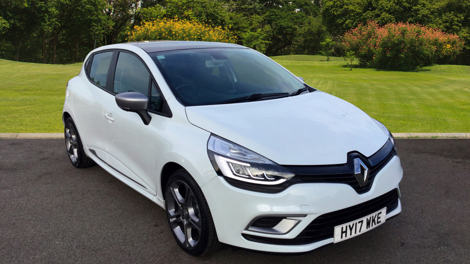 used renault clio 1 2 tce dynamique s nav 5dr petrol hatchback for sale bristol street motors. Black Bedroom Furniture Sets. Home Design Ideas