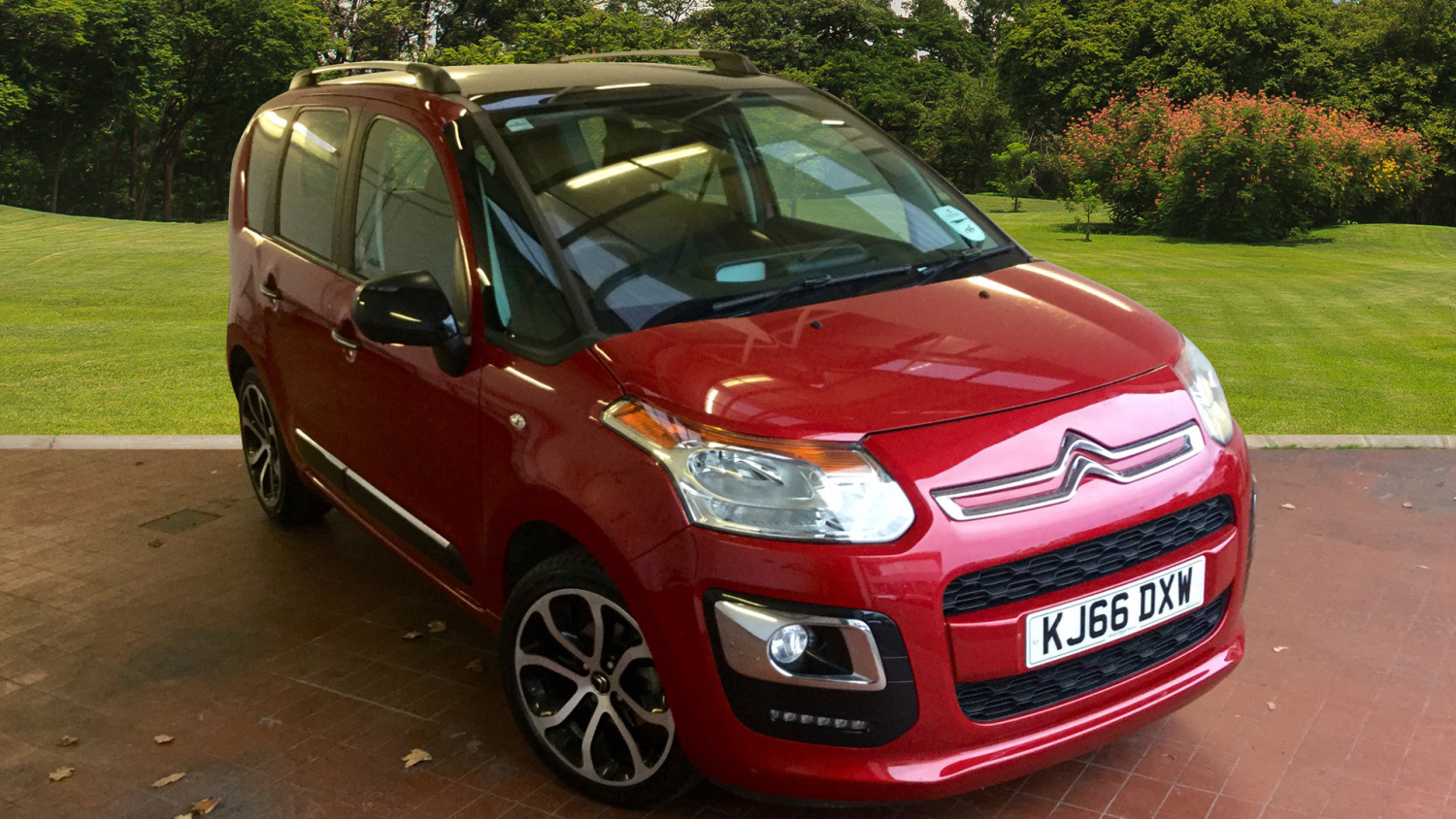 used citroen c3 picasso 1 6 bluehdi platinum 5dr diesel estate for sale bristol street motors. Black Bedroom Furniture Sets. Home Design Ideas