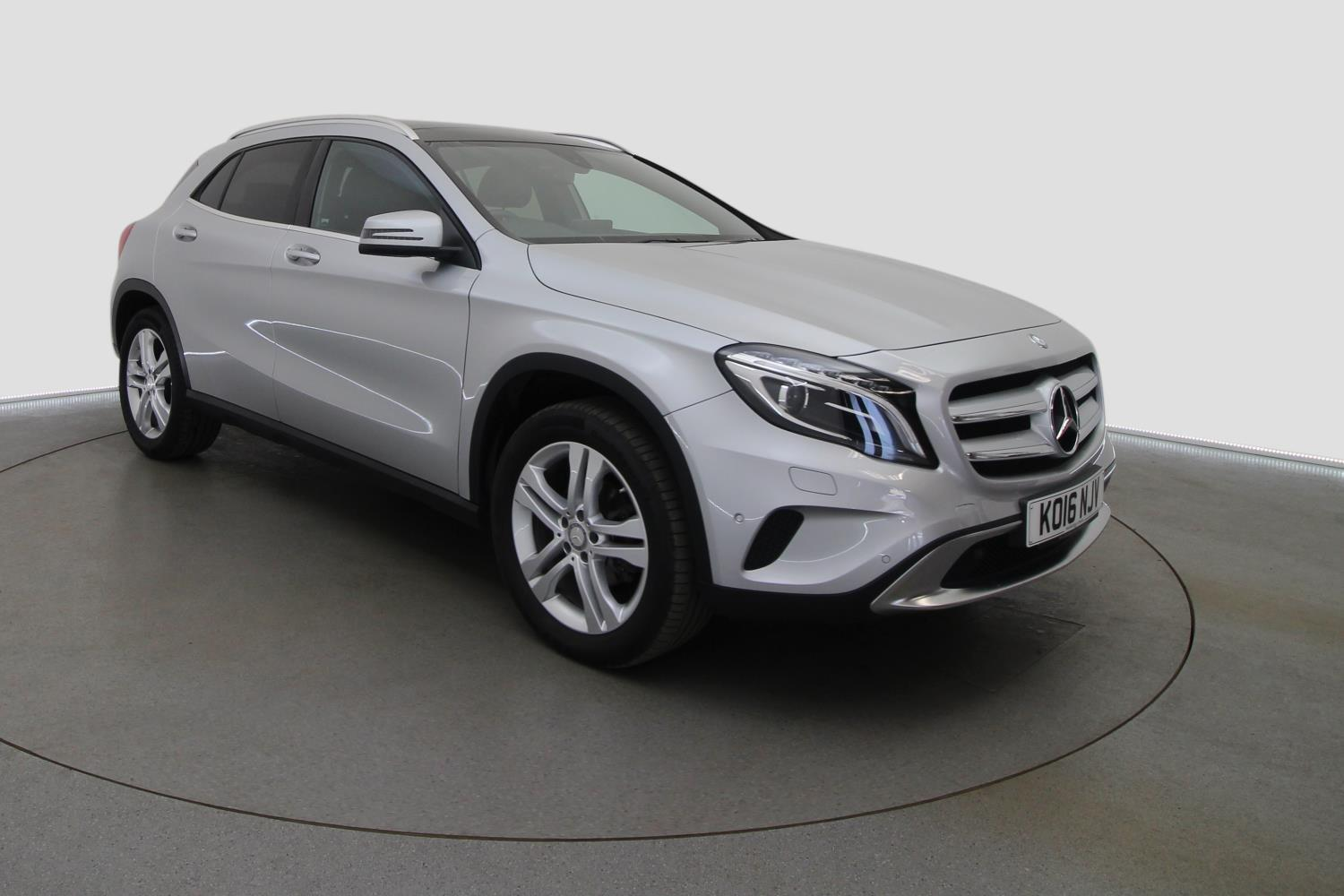 used mercedes benz gla gla 200d sport 5dr auto premium plus diesel hatchback for sale. Black Bedroom Furniture Sets. Home Design Ideas