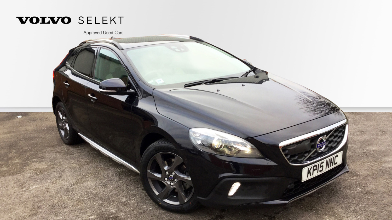 used volvo v40 d2 cross country se nav 5dr powershift diesel hatchback for sale bristol street. Black Bedroom Furniture Sets. Home Design Ideas