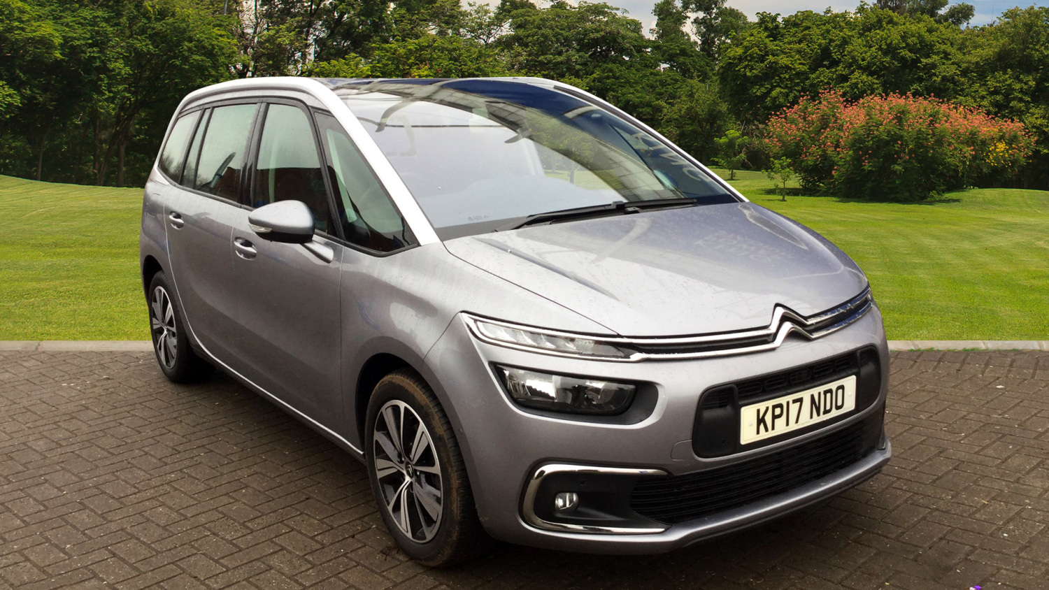 buy online citroen grand c4 picasso 1 6 bluehdi feel 5dr diesel estate for sale bristol street. Black Bedroom Furniture Sets. Home Design Ideas