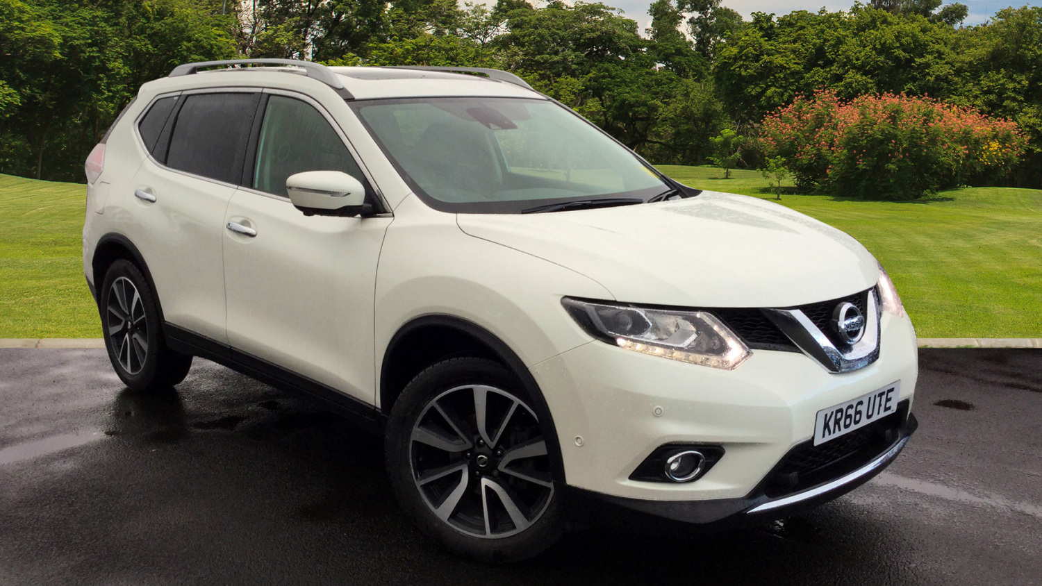 used nissan x trail 1 6 dci tekna 5dr xtronic diesel station wagon for sale bristol street motors. Black Bedroom Furniture Sets. Home Design Ideas
