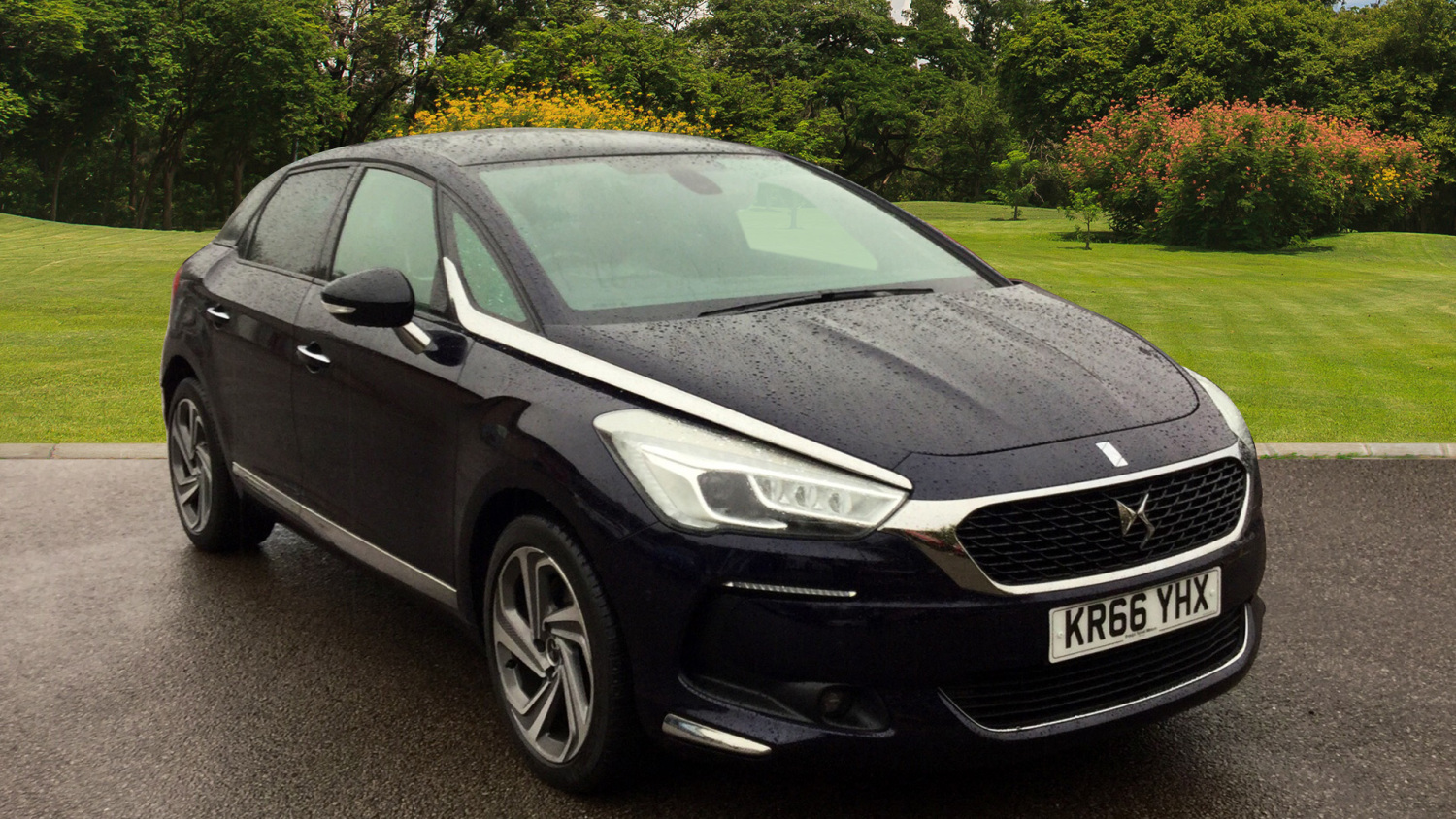 used ds 5 2 0 bluehdi 180 prestige 5dr eat6 diesel hatchback for sale bristol street motors. Black Bedroom Furniture Sets. Home Design Ideas