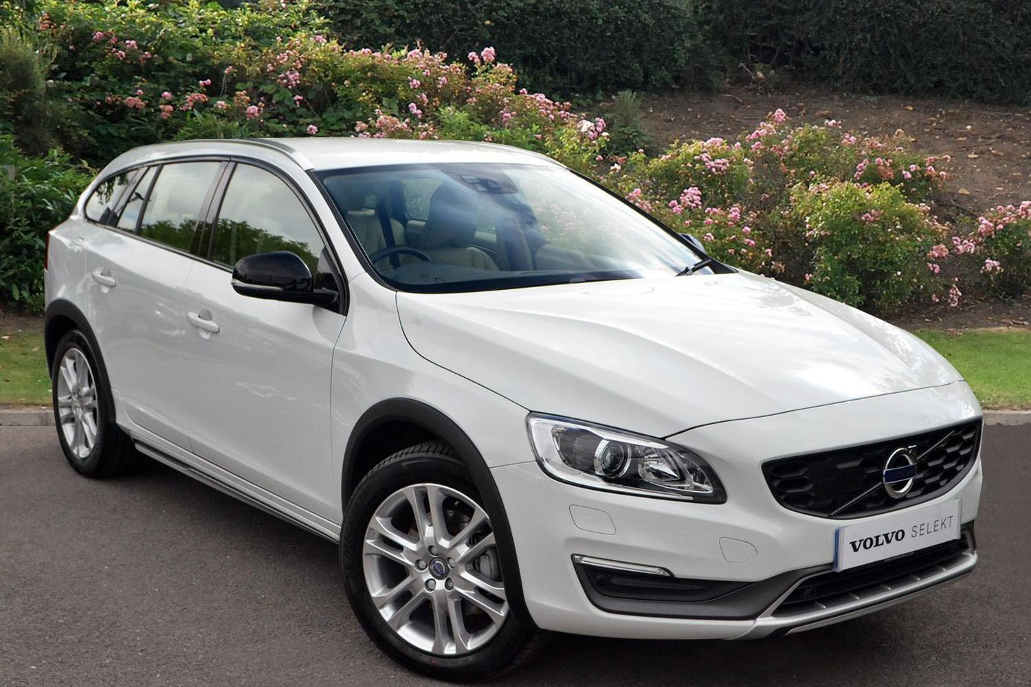used volvo v60 d4 190 cross country lux nav 5dr awd geartronic diesel estate for sale. Black Bedroom Furniture Sets. Home Design Ideas