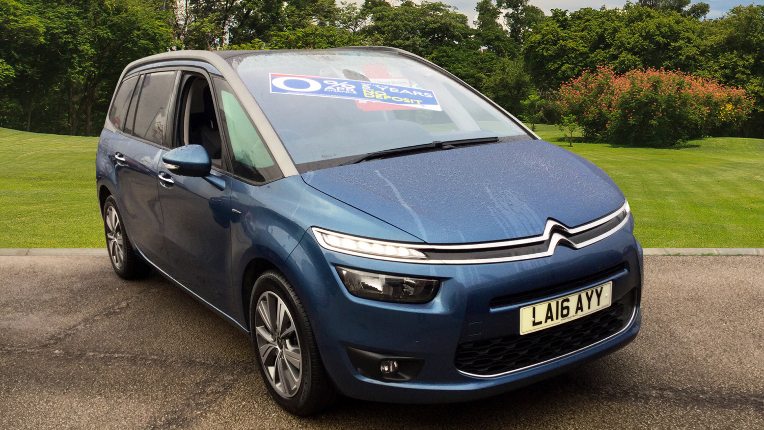 used citroen grand c4 picasso 1 6 bluehdi exclusive 5dr. Black Bedroom Furniture Sets. Home Design Ideas