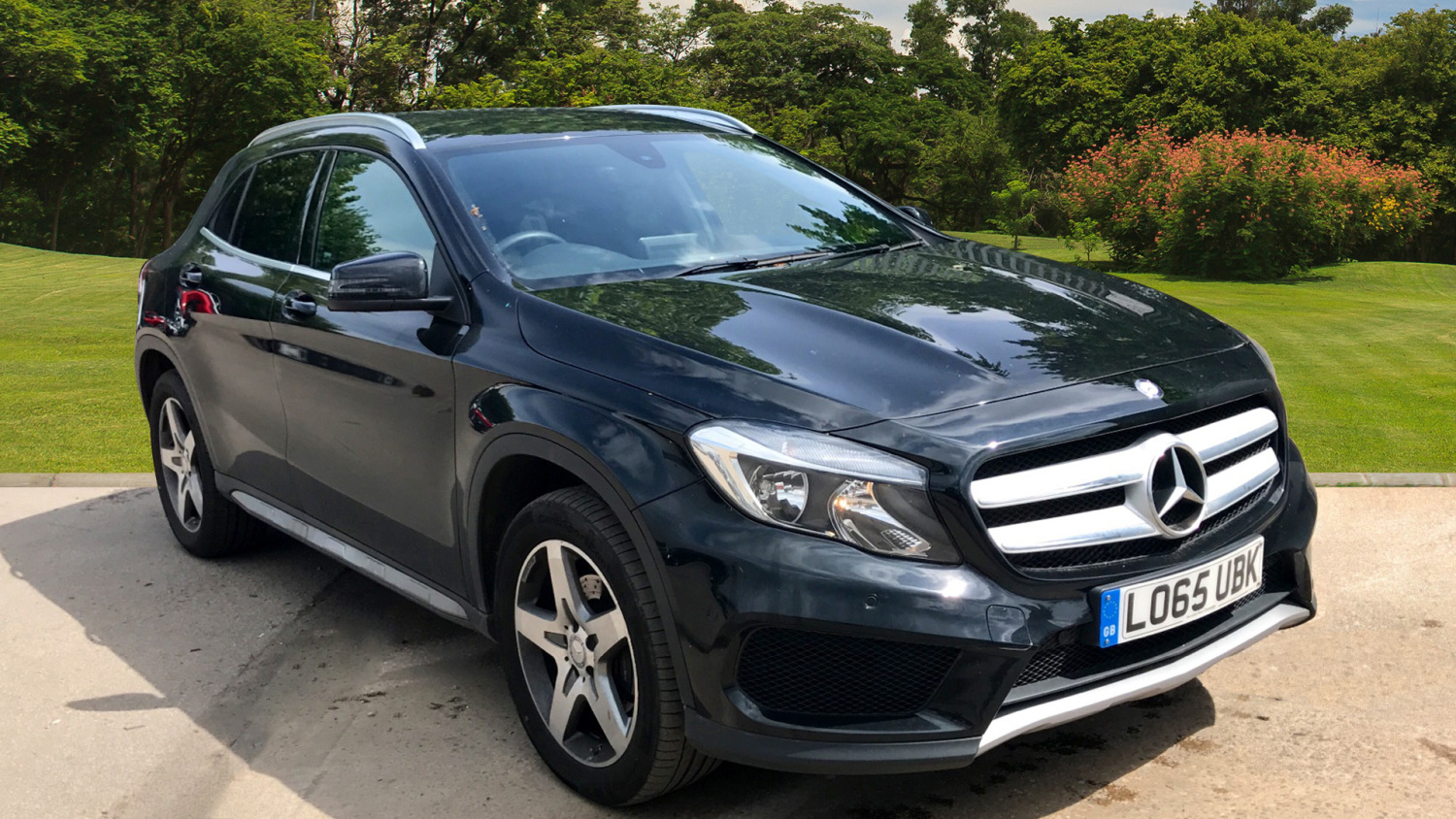 used mercedes benz gla gla 220d 4matic amg line 5dr auto executive diesel hatchback for sale. Black Bedroom Furniture Sets. Home Design Ideas