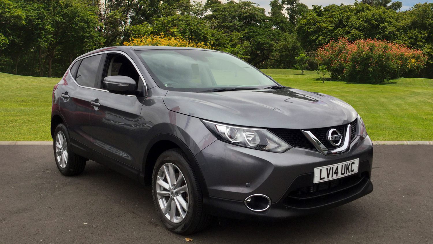 used nissan qashqai 1 6 dci acenta premium 5dr xtronic. Black Bedroom Furniture Sets. Home Design Ideas