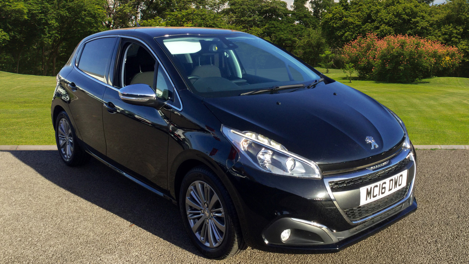 used peugeot 208 1 2 puretech 82 allure 5dr etg5 petrol hatchback for sale bristol street motors. Black Bedroom Furniture Sets. Home Design Ideas