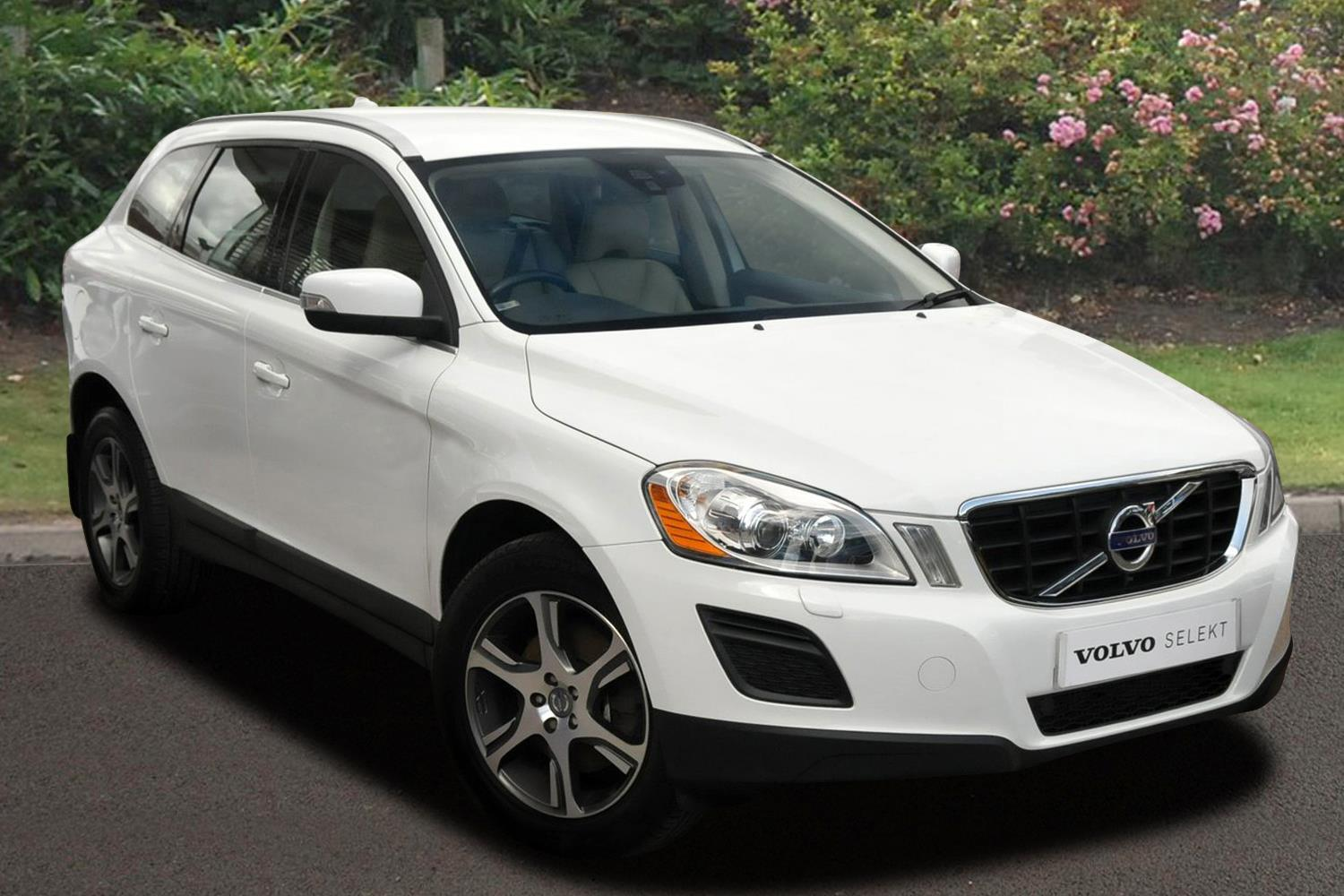 used volvo xc60 d5 215 se lux 5dr awd start stop diesel estate for sale bristol street motors. Black Bedroom Furniture Sets. Home Design Ideas
