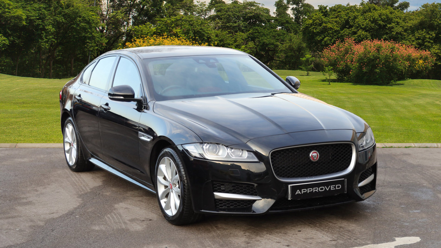 used jaguar xf 2 0d 180 r sport 4dr auto awd diesel saloon for sale bristol street motors. Black Bedroom Furniture Sets. Home Design Ideas