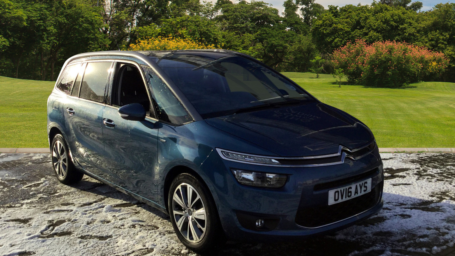 used citroen grand c4 picasso 1 6 bluehdi exclusive 5dr eat6 diesel estate for sale bristol. Black Bedroom Furniture Sets. Home Design Ideas
