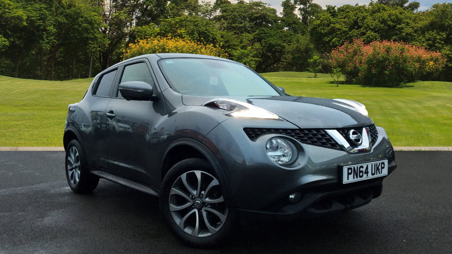 used nissan juke 1 2 dig t tekna 5dr petrol hatchback for sale bristol street motors. Black Bedroom Furniture Sets. Home Design Ideas
