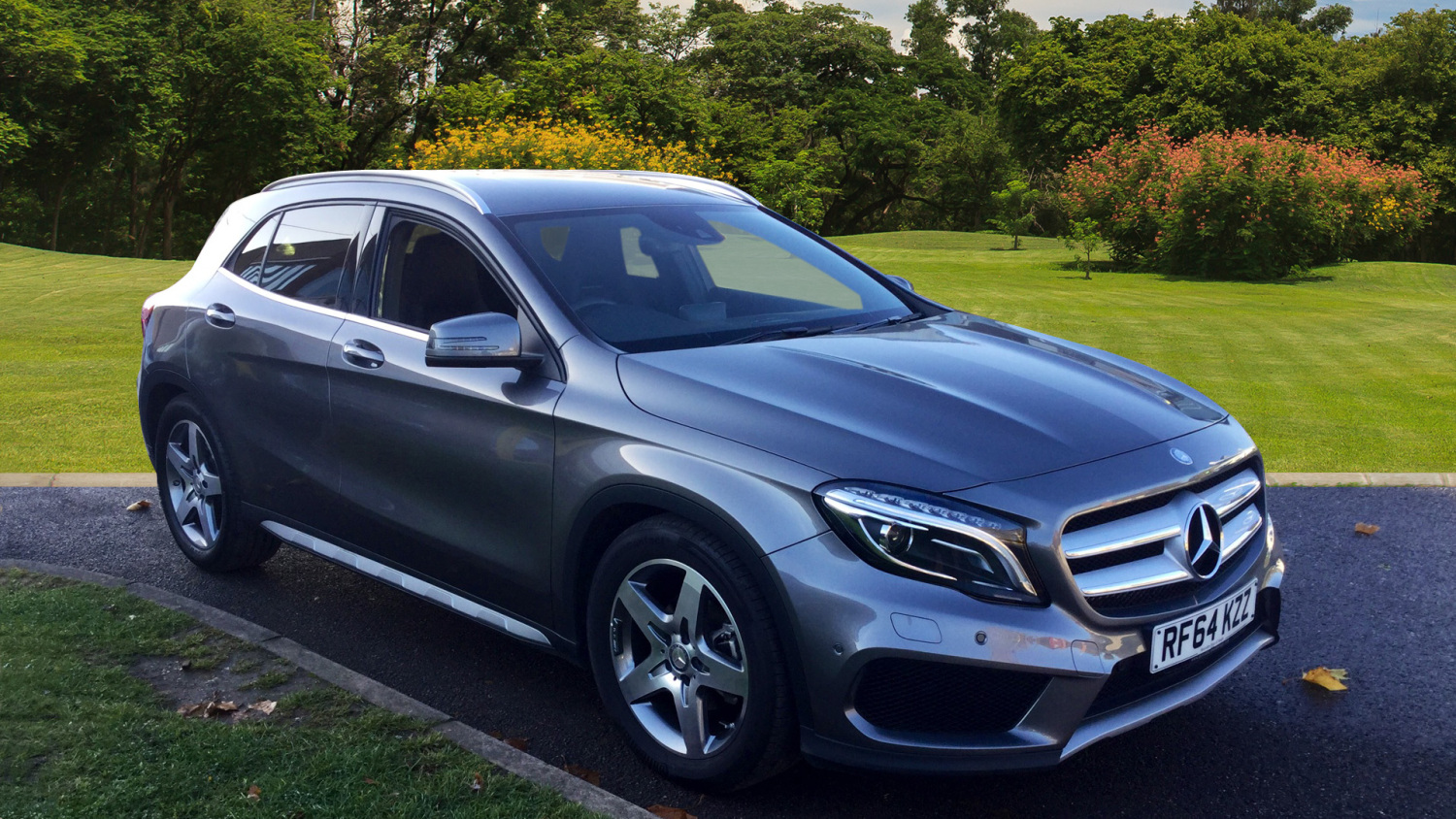 used mercedes benz gla gla 200 cdi amg line 5dr auto premium diesel hatchback for sale. Black Bedroom Furniture Sets. Home Design Ideas
