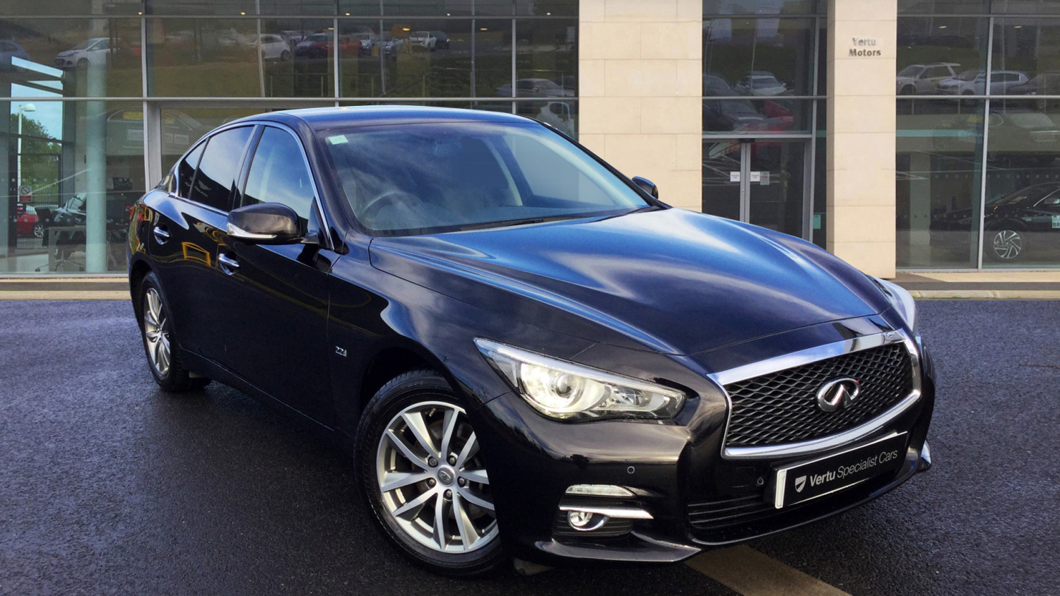 used infiniti q50 2 2d premium 4dr auto diesel saloon for sale bristol street motors. Black Bedroom Furniture Sets. Home Design Ideas