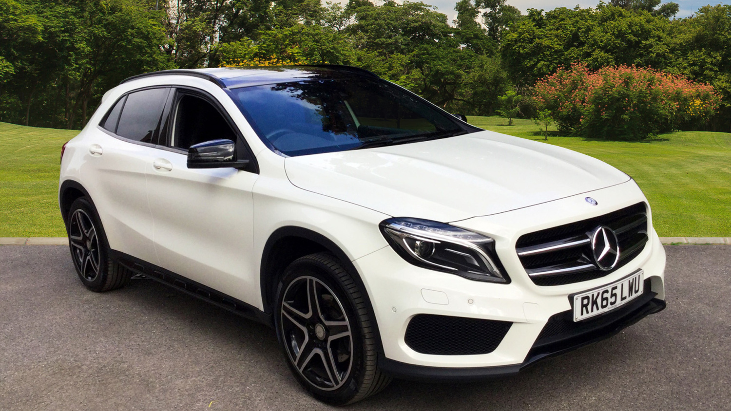 used mercedes benz gla gla 250 4matic amg line 5dr auto premium plus petrol hatchback for sale. Black Bedroom Furniture Sets. Home Design Ideas