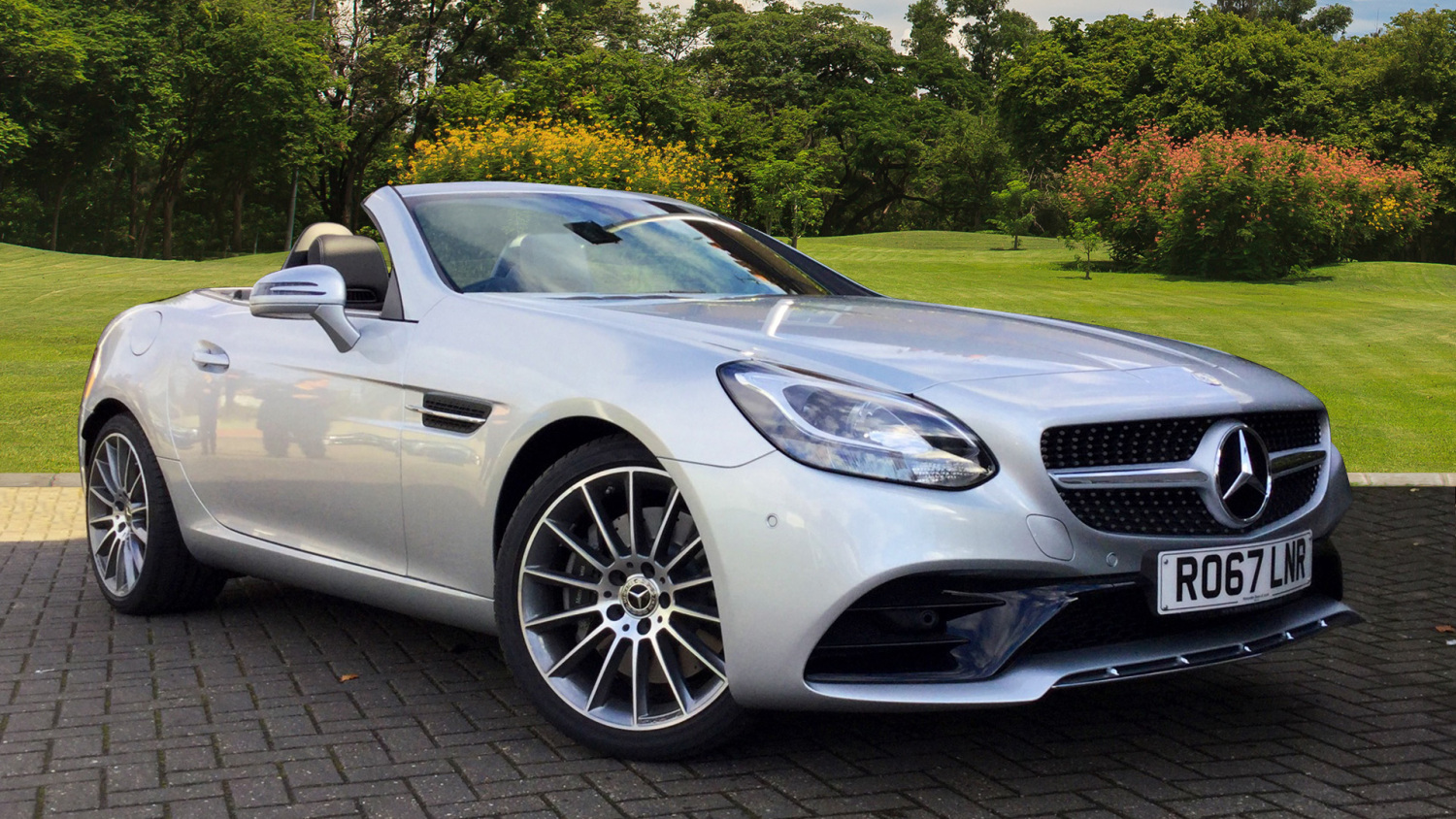 used mercedes benz slc slc 200 amg line 2dr 9g tronic petrol roadster for sale bristol street. Black Bedroom Furniture Sets. Home Design Ideas