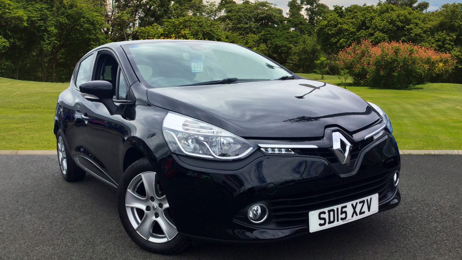 used renault clio 1 2 16v dynamique medianav 5dr petrol hatchback for sale bristol street motors. Black Bedroom Furniture Sets. Home Design Ideas