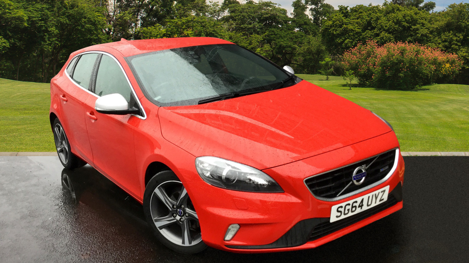 used volvo v40 d2 r design lux 5dr diesel hatchback for. Black Bedroom Furniture Sets. Home Design Ideas