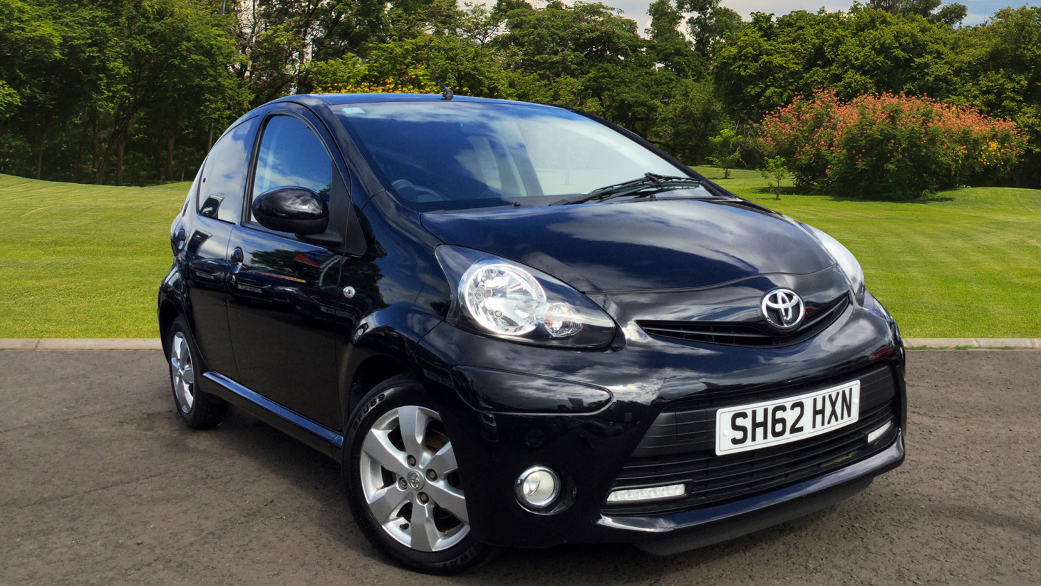 used toyota aygo 1 0 vvt i fire 5dr ac petrol hatchback. Black Bedroom Furniture Sets. Home Design Ideas