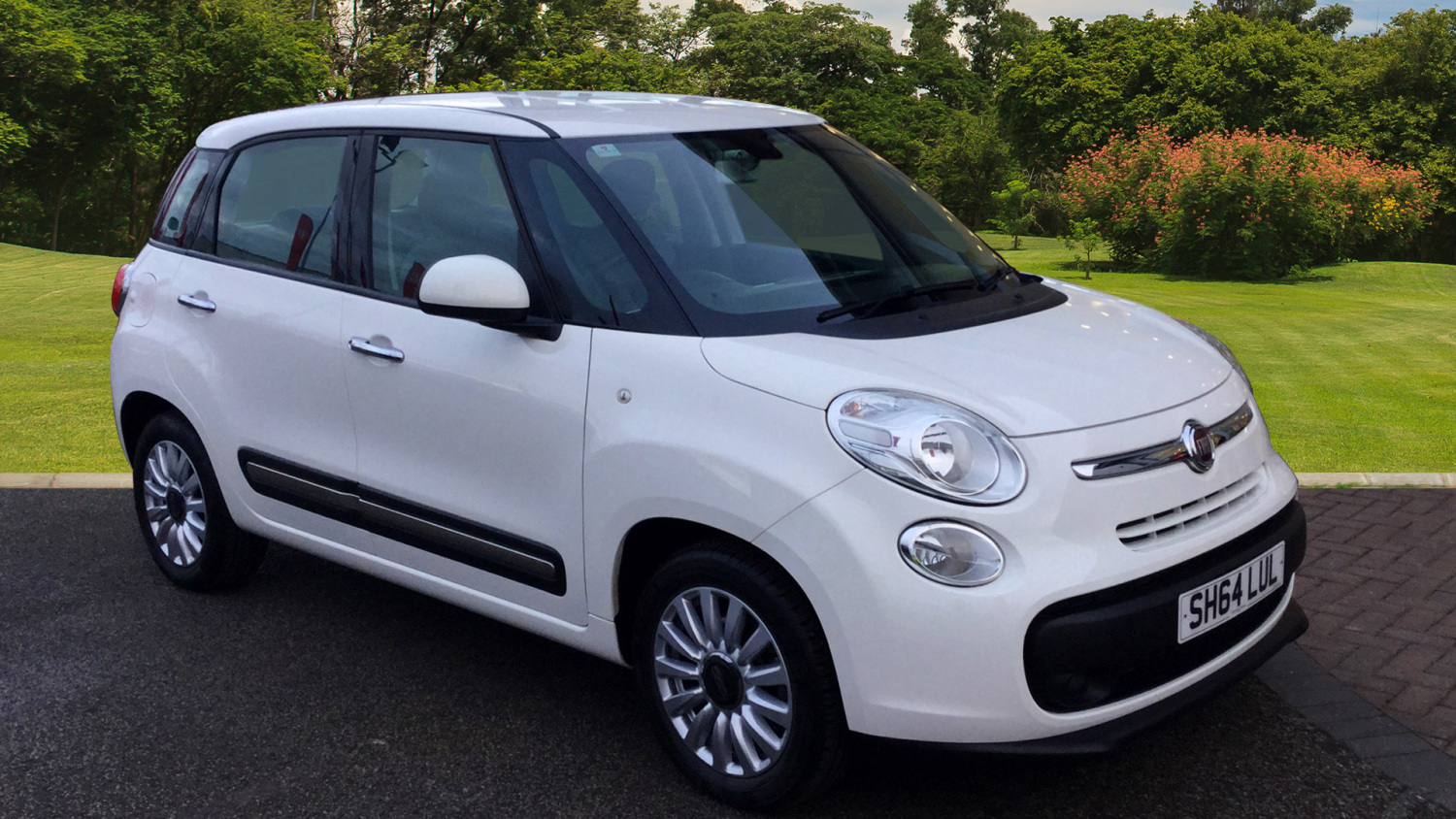 used fiat 500l 1 3 multijet 85 pop star 5dr dualogic diesel hatchback for sale bristol street. Black Bedroom Furniture Sets. Home Design Ideas