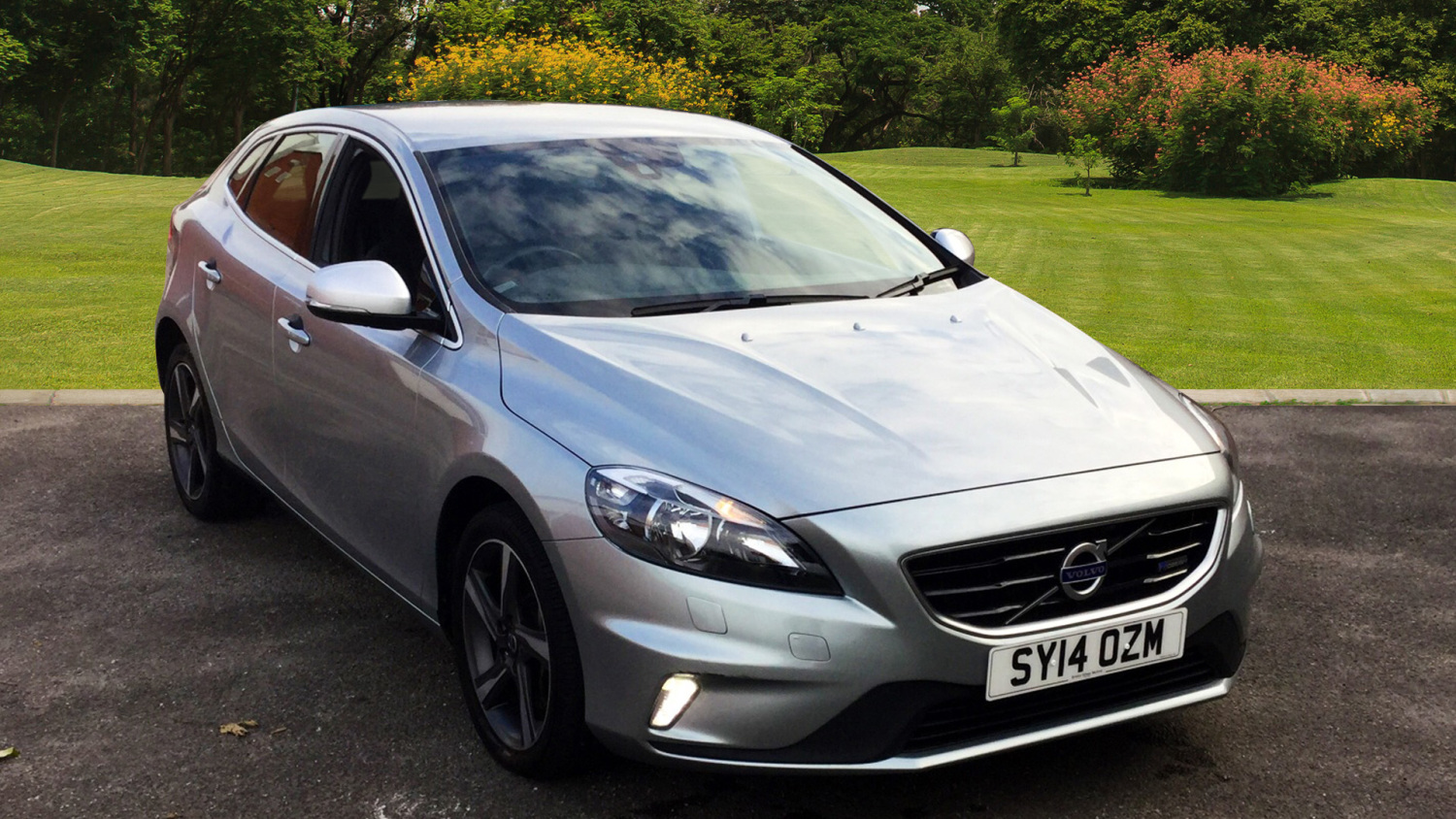 used volvo v40 d3 r design 5dr diesel hatchback for sale. Black Bedroom Furniture Sets. Home Design Ideas