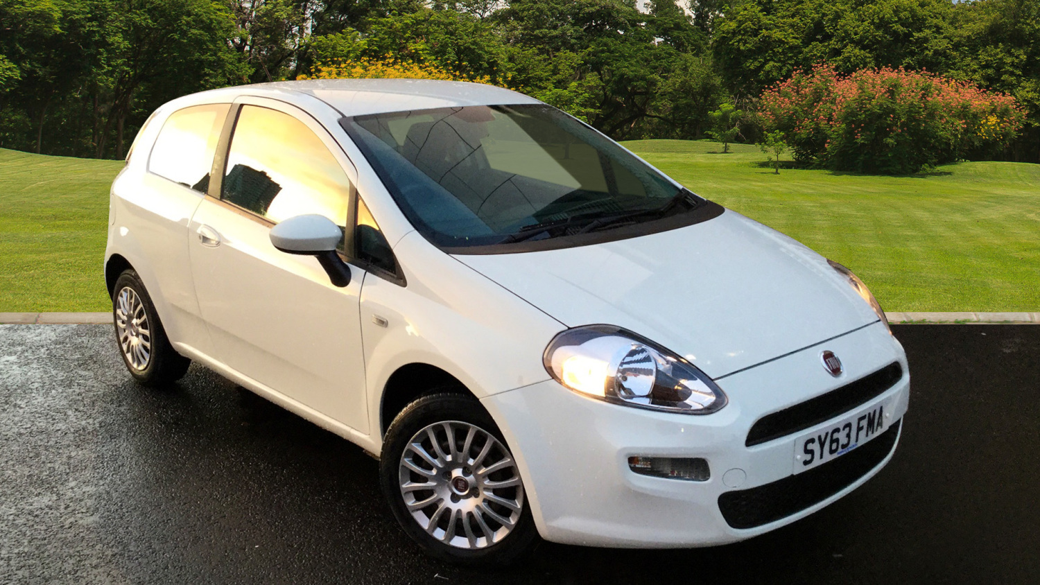 used fiat punto 1 2 pop 3dr start stop petrol hatchback. Black Bedroom Furniture Sets. Home Design Ideas