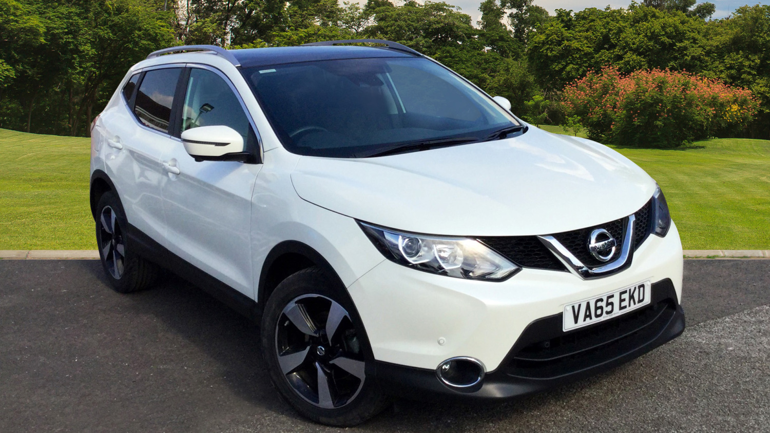 used nissan qashqai 1 6 dci n tec 5dr diesel hatchback for sale bristol street motors. Black Bedroom Furniture Sets. Home Design Ideas