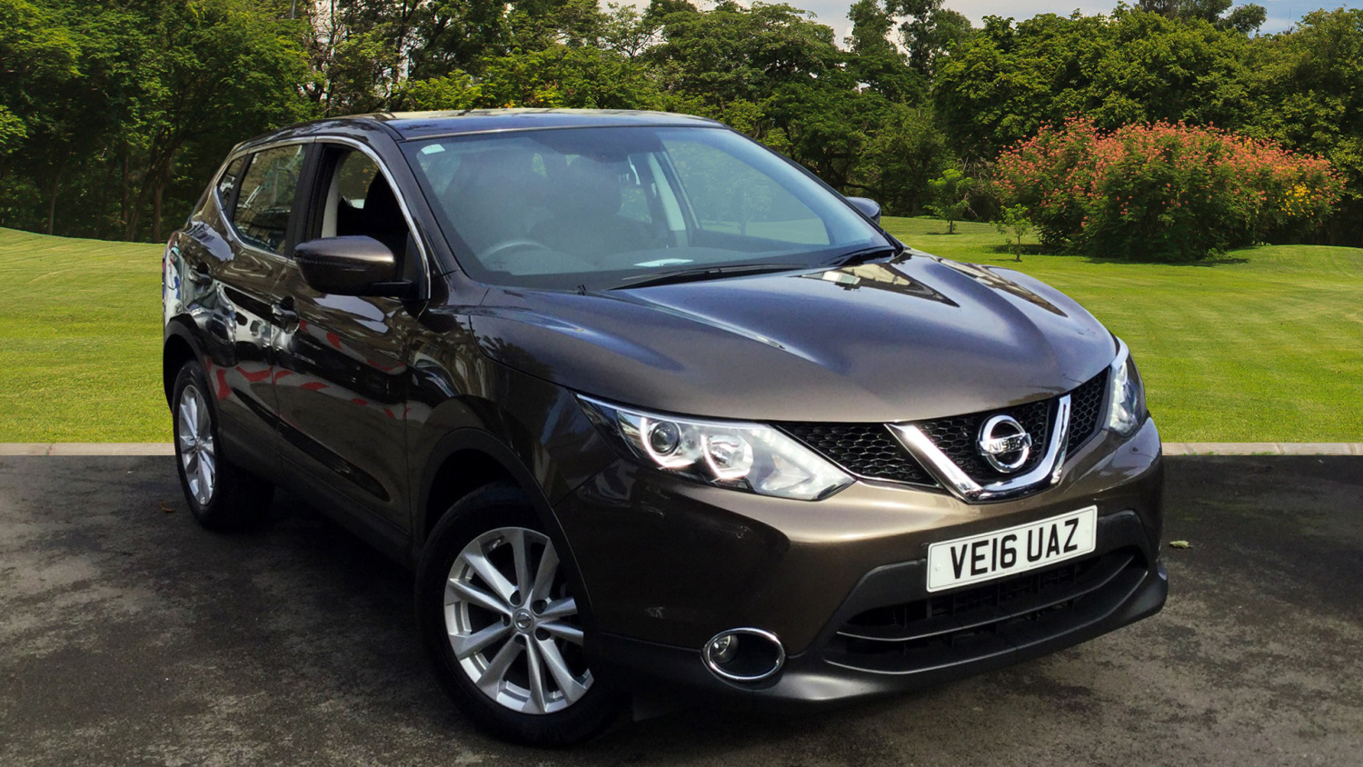 used nissan qashqai 1 5 dci acenta tech pack 5dr diesel. Black Bedroom Furniture Sets. Home Design Ideas