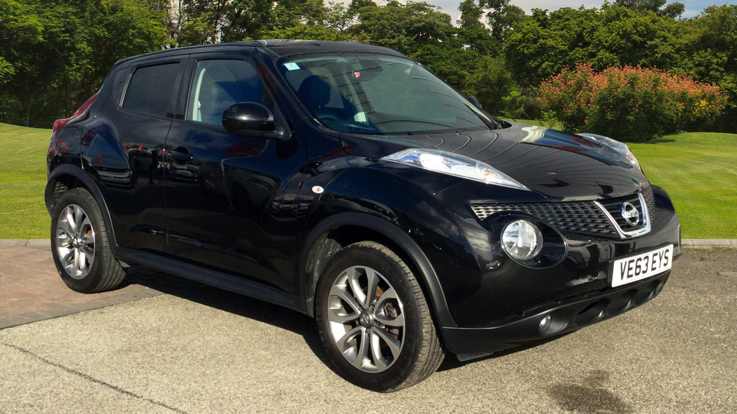 used nissan juke 1 5 dci tekna 5dr start stop diesel hatchback for sale bristol street motors. Black Bedroom Furniture Sets. Home Design Ideas