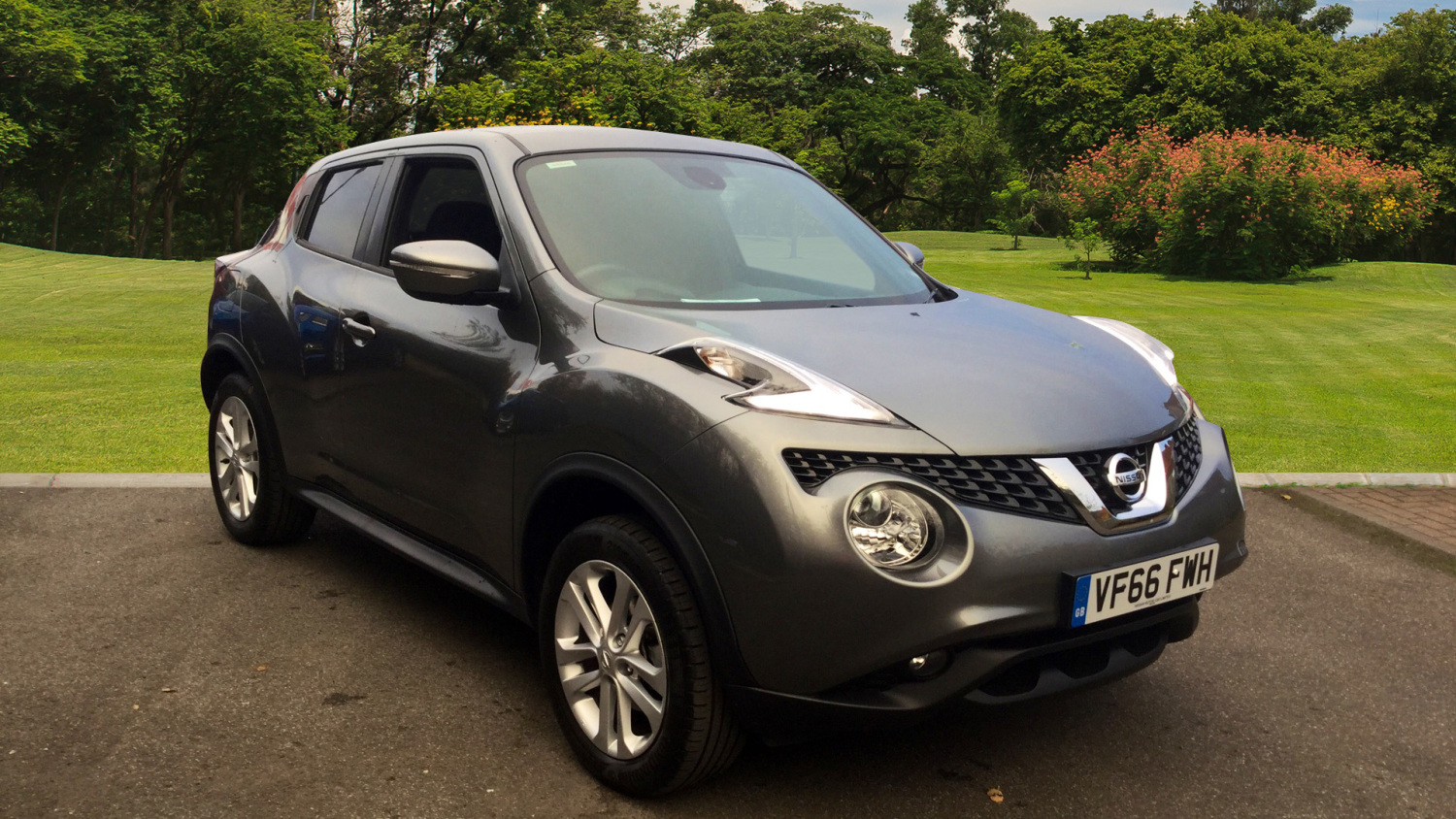 used nissan juke 1 5 dci n connecta 5dr diesel hatchback for sale bristol street motors. Black Bedroom Furniture Sets. Home Design Ideas