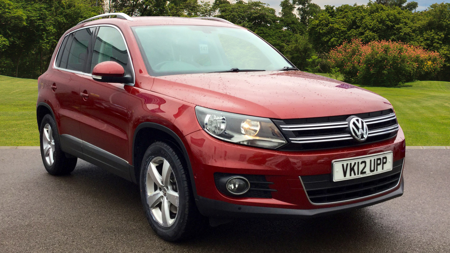 used volkswagen tiguan 2 0 tdi bluemotion tech se 5dr diesel estate for sale bristol street motors. Black Bedroom Furniture Sets. Home Design Ideas
