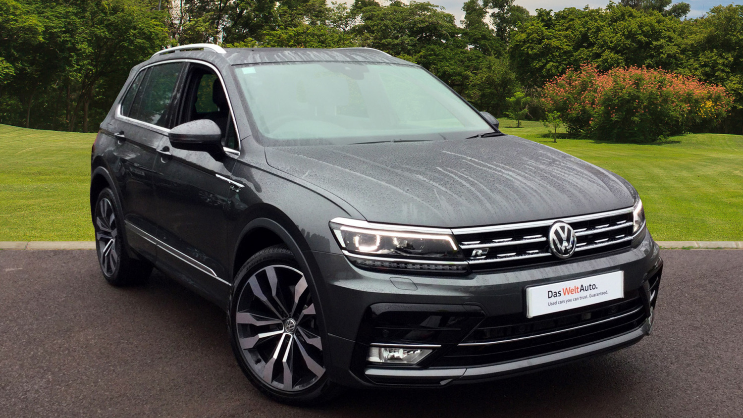 used volkswagen tiguan 2 0 tdi bmt 190 4motion r line 5dr dsg diesel estate for sale bristol. Black Bedroom Furniture Sets. Home Design Ideas