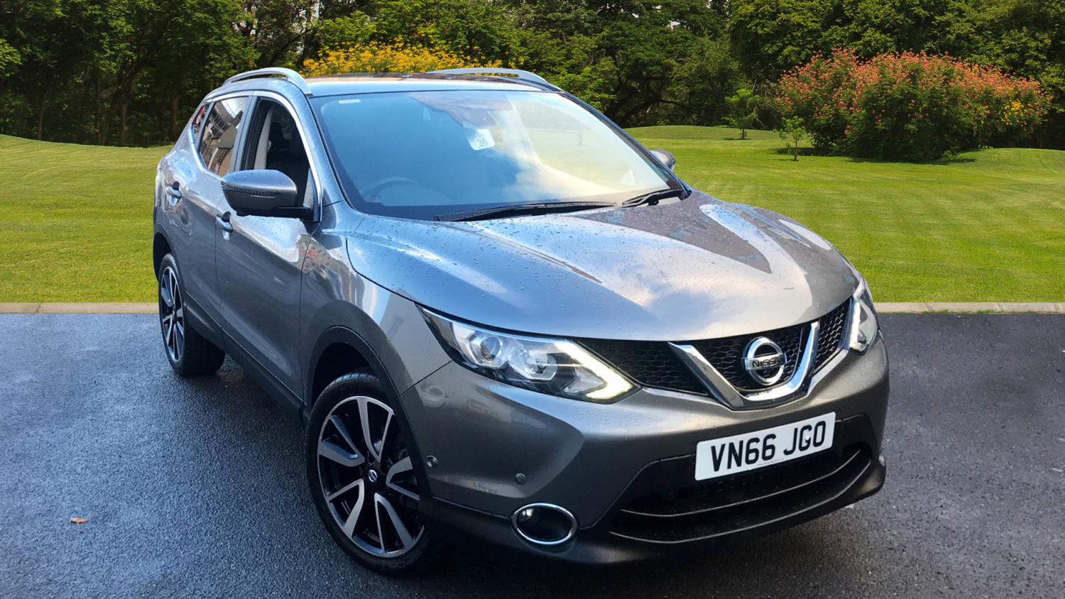 used nissan qashqai 1 6 dci tekna non panoramic 5dr 4wd diesel hatchback for sale bristol. Black Bedroom Furniture Sets. Home Design Ideas
