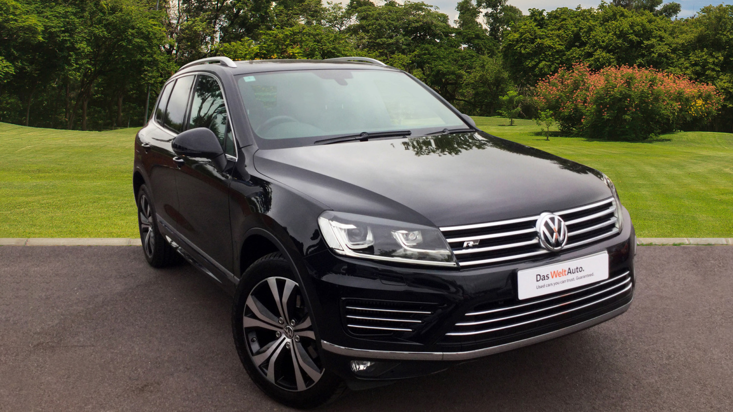 used volkswagen touareg 3 0 v6 tdi bluemotion tech 262 r line 5dr tip auto diesel estate for. Black Bedroom Furniture Sets. Home Design Ideas