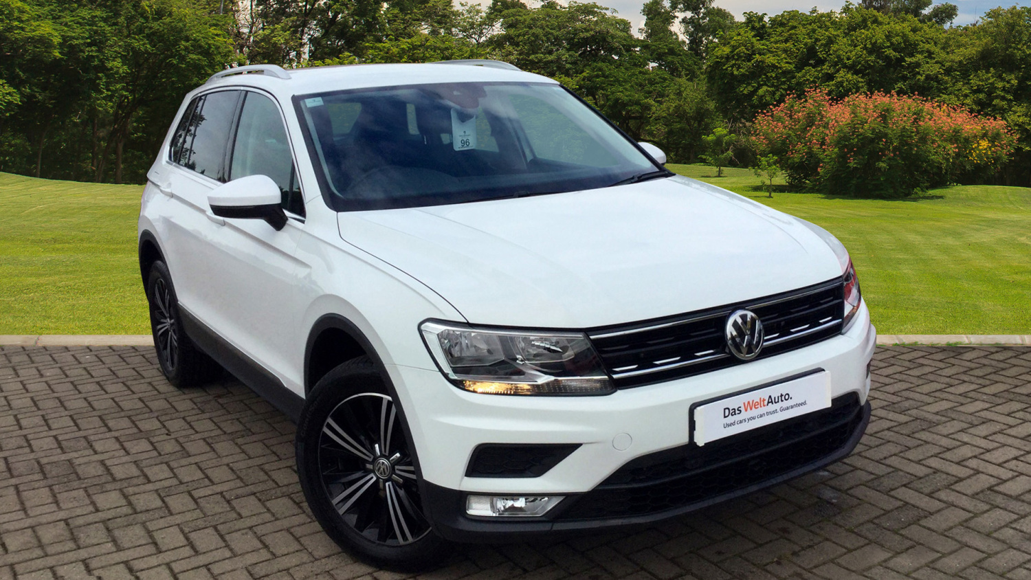 used volkswagen tiguan 2 0 tdi bmt 150 se nav 5dr dsg diesel estate for sale bristol street motors. Black Bedroom Furniture Sets. Home Design Ideas