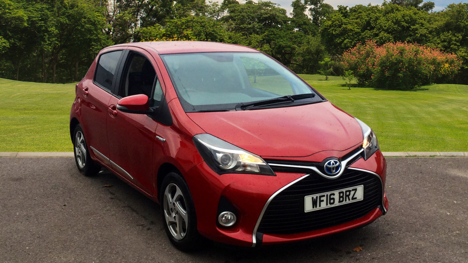 used toyota yaris 1 5 hybrid icon 5dr cvt hybrid hatchback for sale bristol street motors. Black Bedroom Furniture Sets. Home Design Ideas