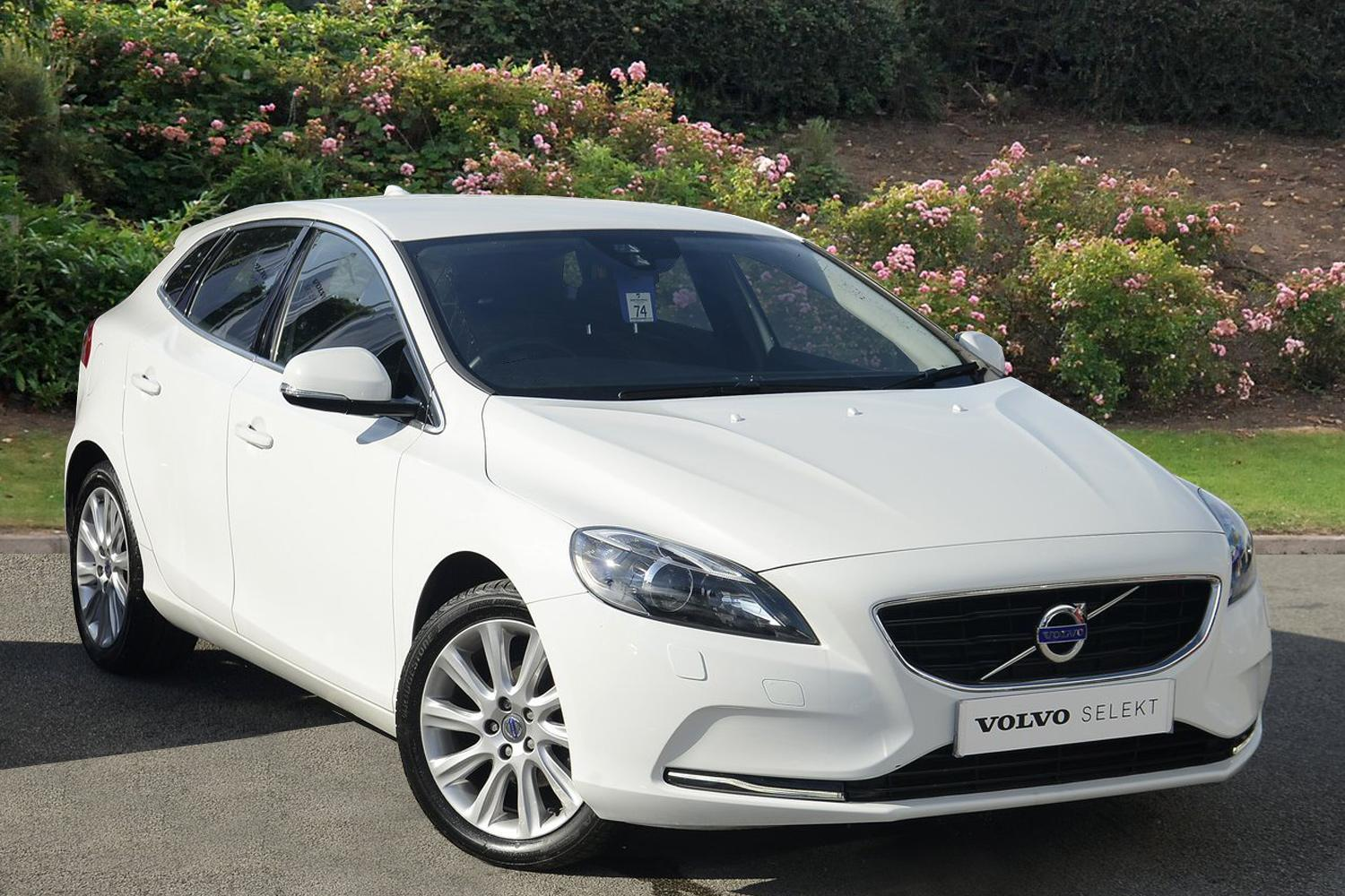used volvo v40 d2 se lux 5dr diesel hatchback for sale. Black Bedroom Furniture Sets. Home Design Ideas