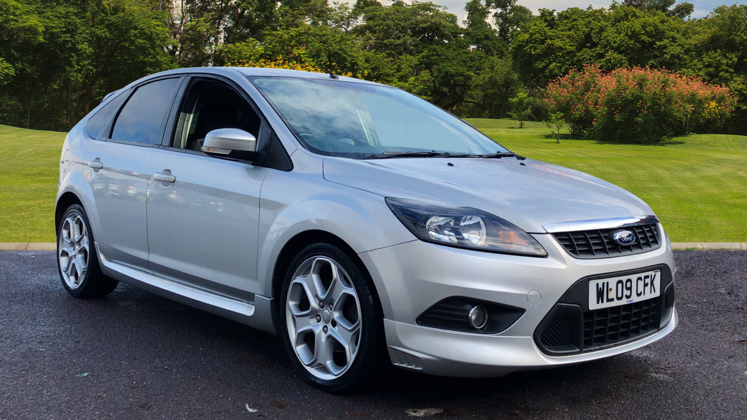 used ford focus 1 8 tdci zetec s 5dr diesel hatchback for. Black Bedroom Furniture Sets. Home Design Ideas
