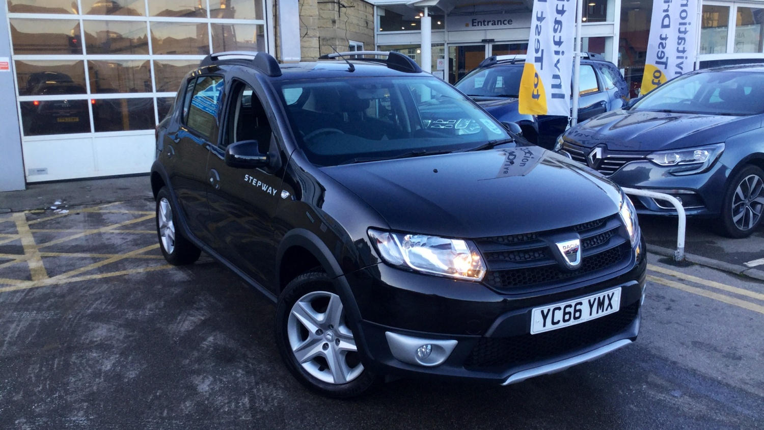 used dacia sandero stepway 1 5 dci ambiance 5dr diesel hatchback for sale bristol street motors. Black Bedroom Furniture Sets. Home Design Ideas