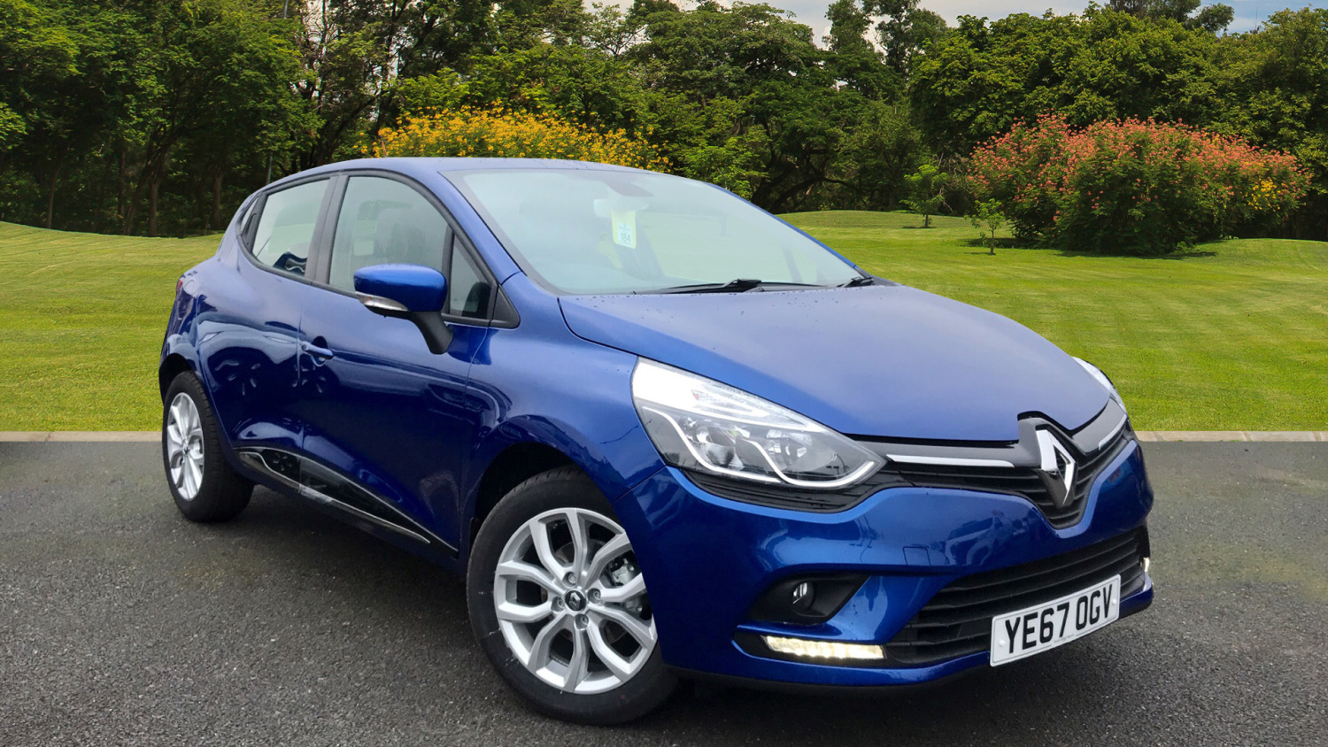 used renault clio 0 9 tce 90 dynamique nav 5dr petrol hatchback for sale bristol street motors. Black Bedroom Furniture Sets. Home Design Ideas