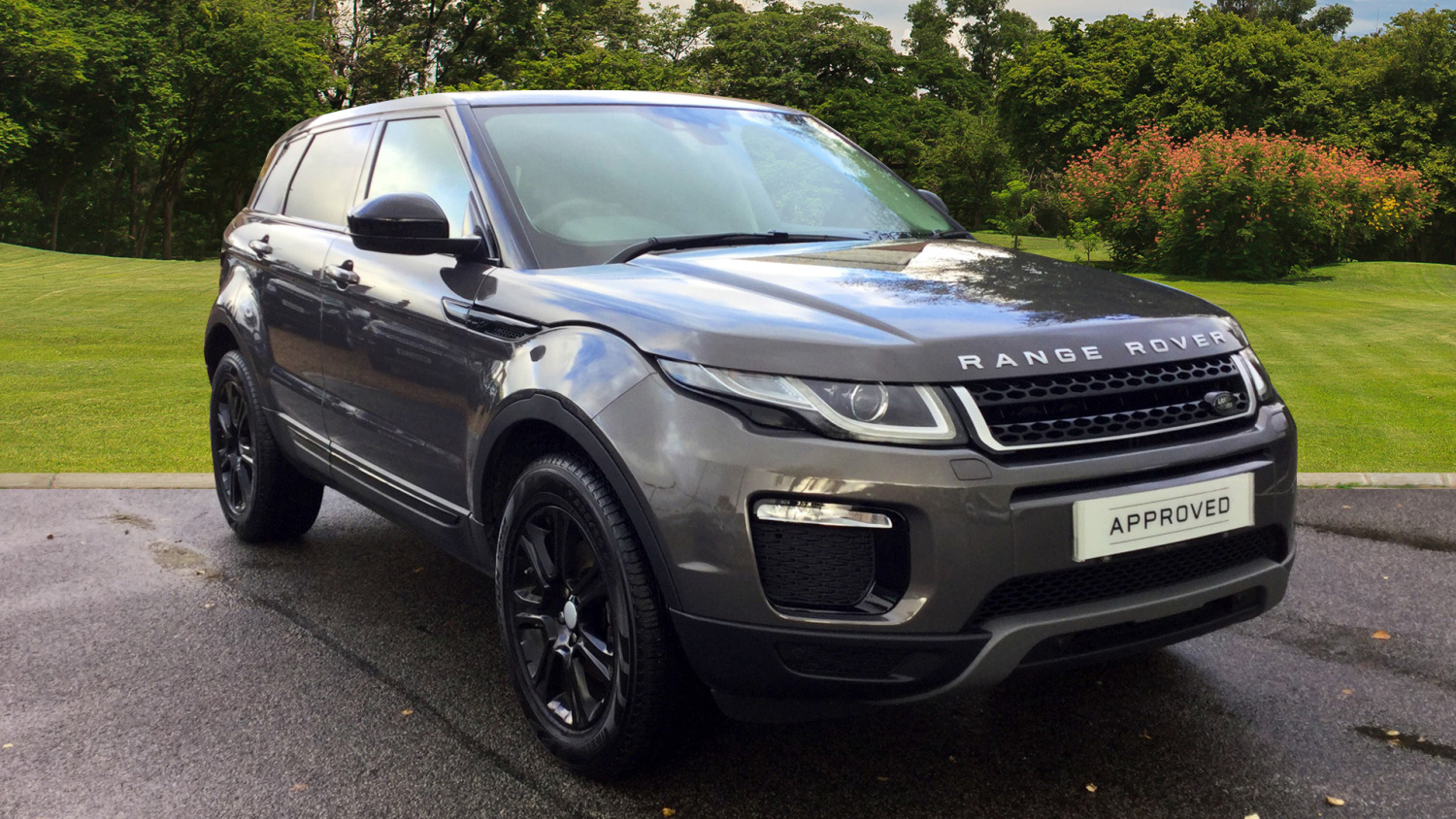 used land rover range rover evoque 2 0 td4 se tech 5dr diesel hatchback for sale bristol. Black Bedroom Furniture Sets. Home Design Ideas