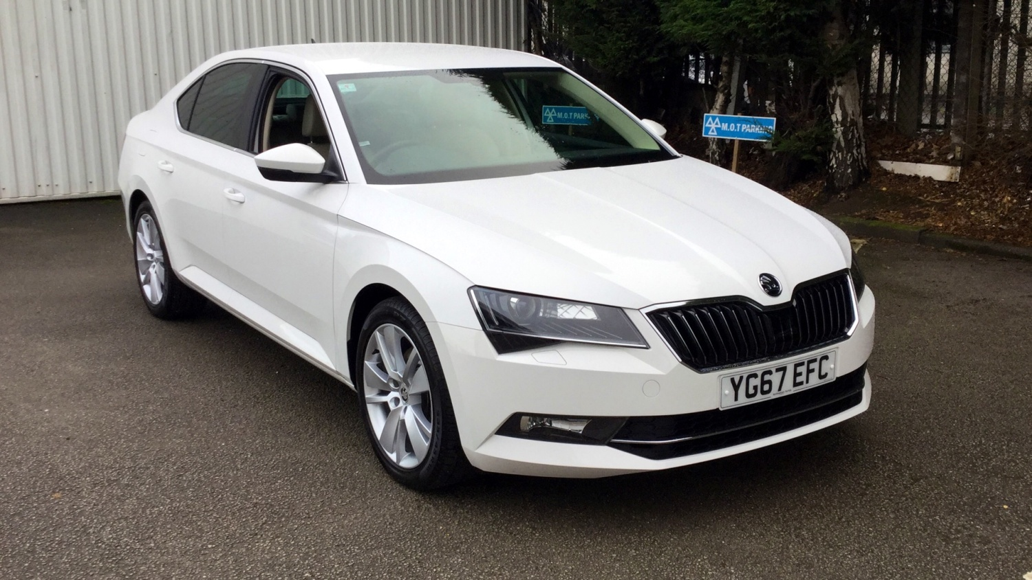 used skoda superb 2 0 tdi cr se l executive 5dr diesel. Black Bedroom Furniture Sets. Home Design Ideas