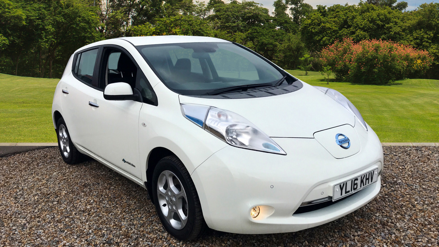 used nissan leaf 80kw acenta 30kwh 5dr auto electric. Black Bedroom Furniture Sets. Home Design Ideas
