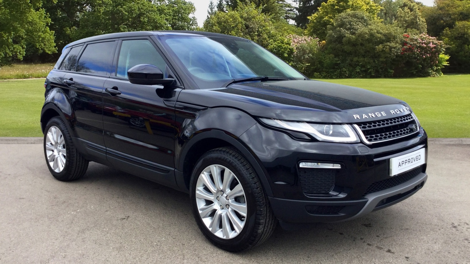 used land rover range rover evoque 2 0 td4 se tech 5dr auto diesel hatchback for sale bristol. Black Bedroom Furniture Sets. Home Design Ideas