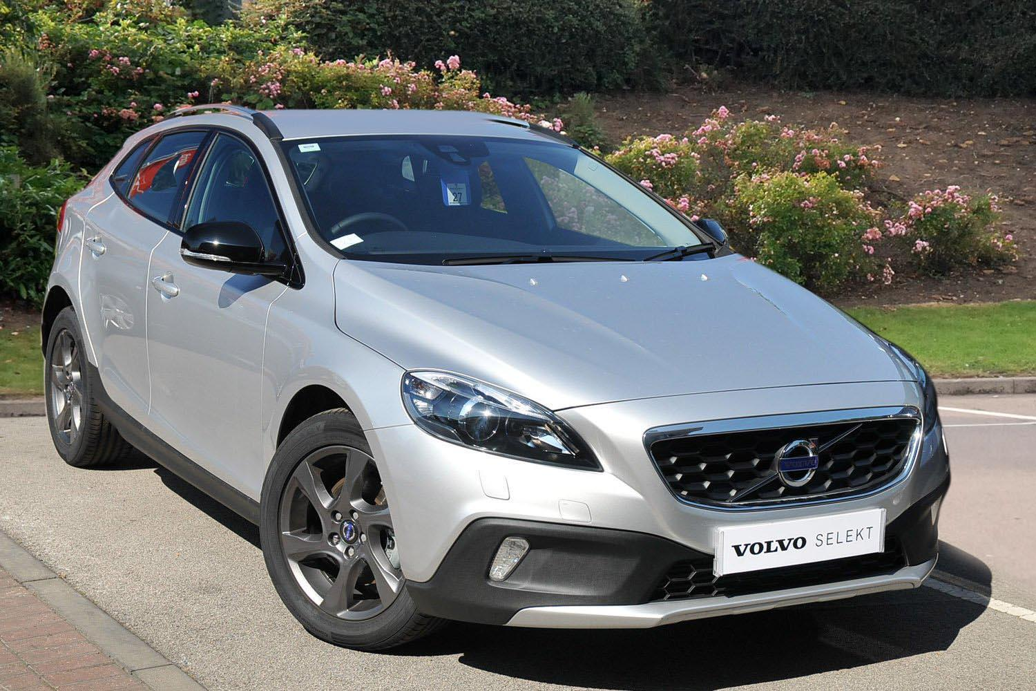 used volvo v40 d2 cross country lux 5dr diesel hatchback. Black Bedroom Furniture Sets. Home Design Ideas