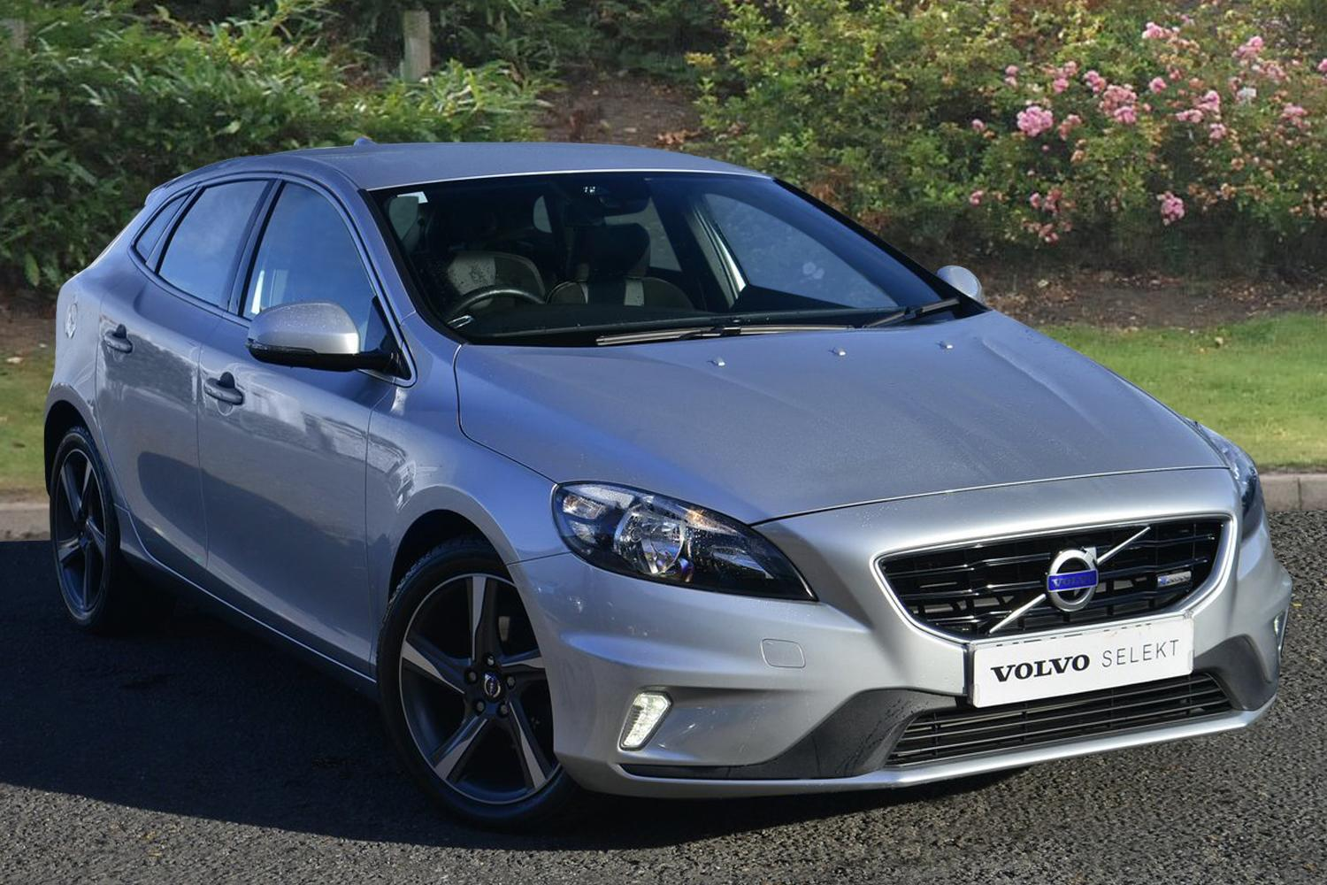 used volvo v40 d2 r design 5dr diesel hatchback for sale bristol street motors. Black Bedroom Furniture Sets. Home Design Ideas