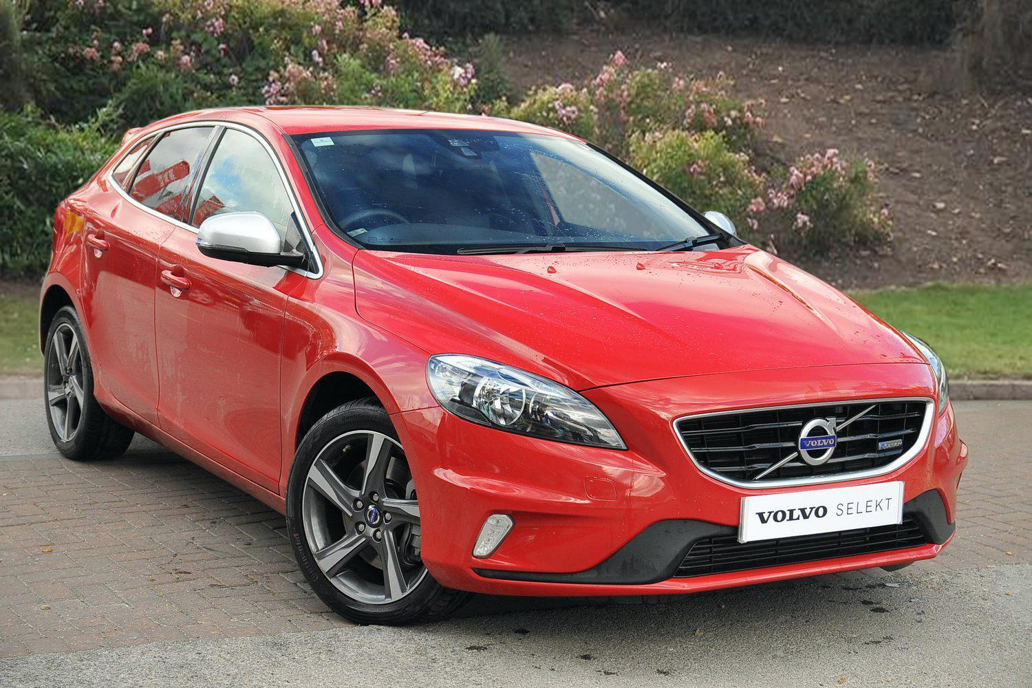 used volvo v40 d3 r design 5dr diesel hatchback for sale bristol street motors. Black Bedroom Furniture Sets. Home Design Ideas